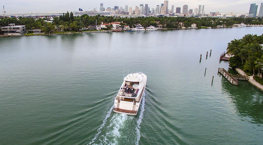this picture shows a yacht Charter in Miami